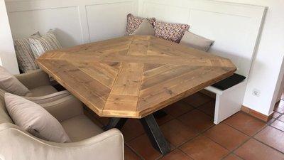 Vierkante Eettafel 150 150.Vierkante Eettafel Van Hout Met Spinpoot Kopen Tafelindustrie